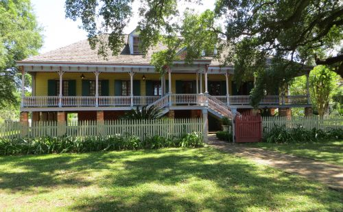 The Laura Plantation house - built on stumps so Mississippi floods would not touch it