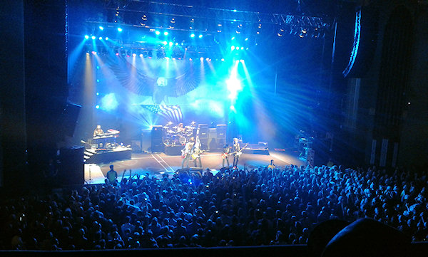 Lynyrd Skynyrd play Hammersmith - a small venue with only 5,000 seats. About the same size as Brisbane's festival Hall all those years ago, but a very different experience.