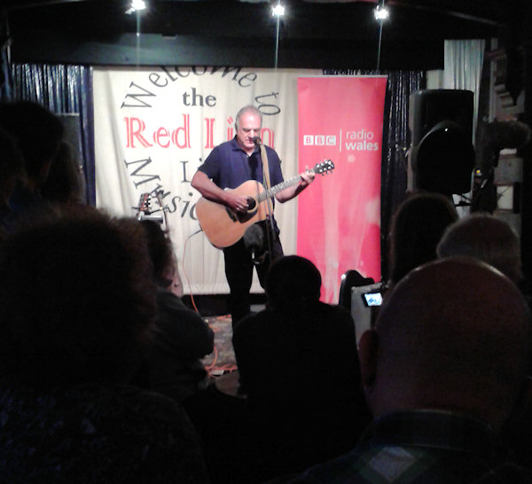 Juts one man and a guitar. Folk legend Ralph McTell in the back room of a Teddington pub.