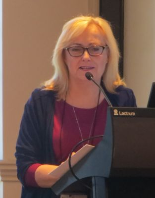 Kathryn Fox, speaking at the RWA conference