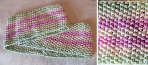 The cowl is simple moss stitch knitted in the round. It worked perfectly with the chunky Nundle yarn